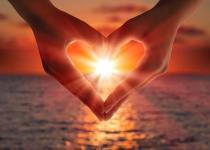 heart-hands (1)